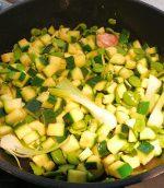 Sauté de courgettes oignons et fèves