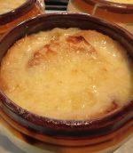 Soupe à l'oignon gratinée à la lyonnaise