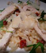 Risotto au poulet et tomates séchées