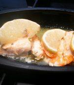 Papillotes de saumon et gambas au basilic