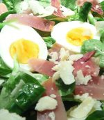 Salade de mâche, jambon cru parmesan